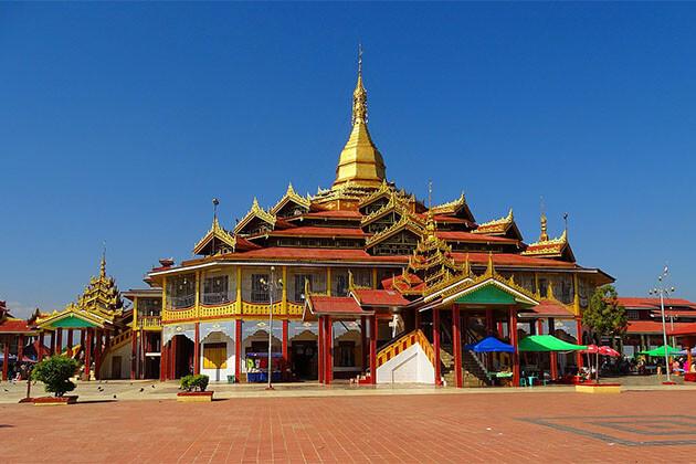 pagoda of Paungdaw Oo Myanmar River Cruise