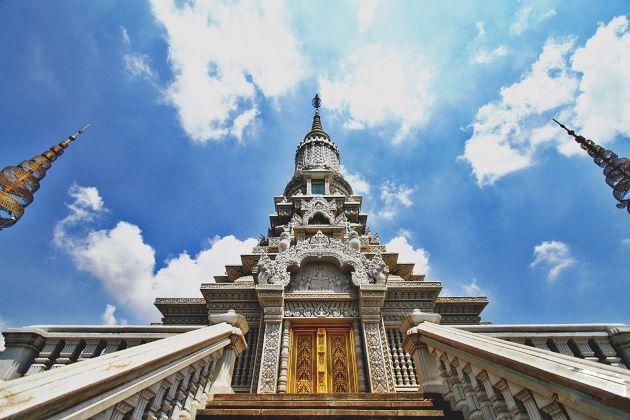 temple at oudong cambodia mekong river cruises
